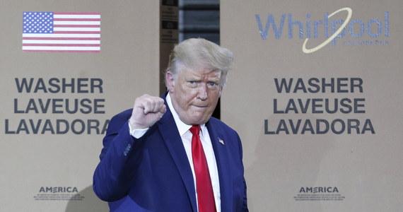 Chiny mają nadzieję, że prezydent Donald Trump nie wygra wyborów, Rosja stara się oczerniać demokratę Joe Bidena, a Iran chce osłabienia instytucji demokratycznych - oświadczył w piątek Bill Evanina, dyrektor amerykańskiego Narodowego Centrum Kontrwywiadu i Bezpieczeństwa.