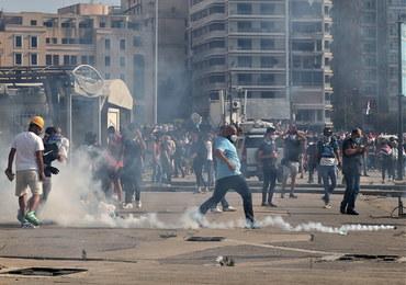 Protesty po wybuchu w Bejrucie. Policja użyła gazu łzawiącego, padły strzały