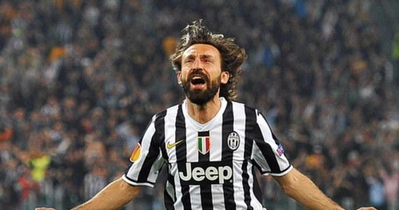 """Utytułowany Andrea Pirlo został trenerem piłkarskiego mistrza Włoch Juventusu Turyn - poinformował klub, który wcześniej w sobotę zwolnił Maurizio Sarriego. Roszady na ławce są konsekwencją nieoczekiwanego odpadnięcia """"Starej Damy"""" w 1/8 finału Ligi Mistrzów."""