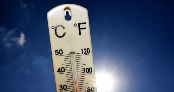 Instytut Meteorologii i Gospodarki Wodnej wydał ostrzeżenia drugiego stopnia przed upałem dla ośmiu województw. Temperatura przekroczy w nich 30 stopni Celsjusza. IMGW ostrzega też przed burzami.