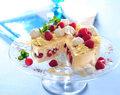 Tort lodowy z malinami