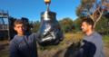 Gigantyczna pięść niszcząca rzeczy - nowy pomysł youtuberów