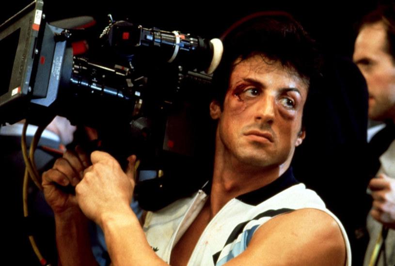 """Aktor, któremu największą sławę przyniosły dwie serie: """"Rocky"""" i """"Rambo"""" miesiąc temu ogłosił, że nie jest zadowolony z czwartej części filmu o bokserze, więc pracuje nad nową, reżyserską wersją tej opowieści. Teraz ujawnił pierwsze efekty tej pracy."""