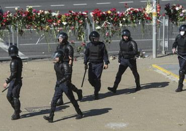 Kolejne protesty w Mińsku. Milicja znów użyła granatów hukowych