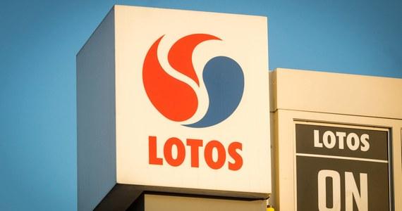 Grupa Lotos zanotowała 1 mld 388 mln zł straty netto za pierwsze półrocze 2020 r., podczas gdy rok wcześniej miała 673 mln zł zysku - podała spółka w raporcie za pierwsze półrocze 2020 r.