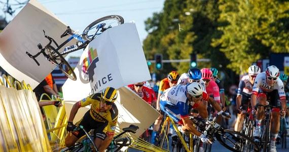 Kolarz Fabio Jakobsen, który w ubiegłym tygodniu miał koszmarny wypadek w czasie wyścigu Tour de Pologne, kończy leczenie w szpitalu w Sosnowcu. Zawodnik został przetransportowany do Holandii. Na powrót do domu nalegał zarówno on sam, jak i jego bliscy.