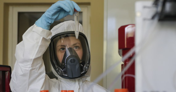 Wiceminister zdrowia Janusz Cieszyński podał listę powiatów, gdzie będą obowiązywały dodatkowe restrykcje związane z koronawirusem. W nowym, zaktualizowanym zestawieniu jest 9 czerwonych i 9 żółtych powiatów.