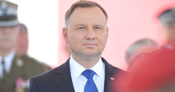 Sejm nie zajmie się przed końcem wakacji prezydenckim projektem zmiany prawa oświatowego, który miał uzależniać od zgody rodziców działalność organizacji pozarządowych w szkole. Jak dowiedział się reporter RMF FM, sejmowa komisja edukacji zajmie się ustawą najwcześniej we wrześniu.