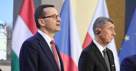Premier Czech Andrej Babisz w piątek rano poinformował na Twitterze o rozmowie z premierem Mateuszem Morawieckim. Politycy zaapelowali o powtórzenie wyborów prezydenckich na Białorusi i opowiedzieli się za pilną wideokonferencją Rady Europejskiej.