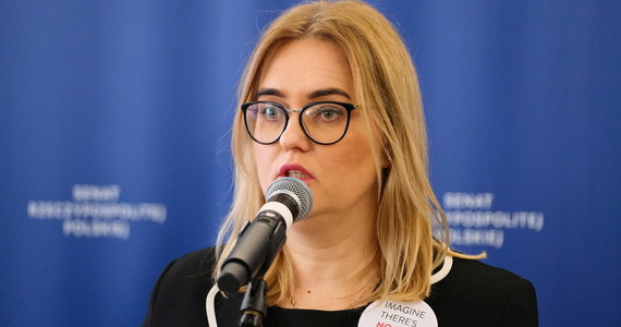 Prokuratura skierowała do sądu akt oskarżenia przeciwko pięciu osobom, w tym przeciwko europosłance PO Magdalenie Aadamowicz i jej matce - dowiedziała się PAP w Prokuraturze Krajowej. Eurodeputowana jest oskarżona o składanie fałszywych zeznań podatkowych.