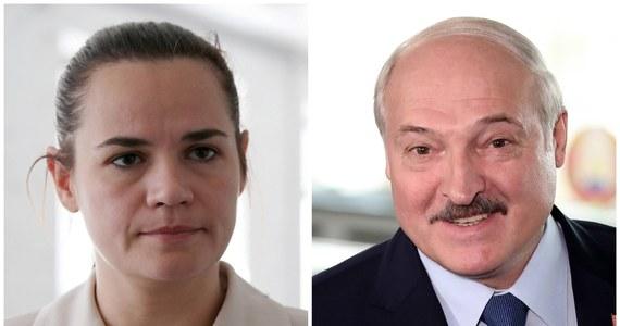 Centralna Komisja Wyborcza na Białorusi podała oficjalne wyniki wyborów prezydenckich. Według nich zwyciężył Alaksandr Łukaszenka uzyskując 80,1 proc. Poparcia. Swiatłana Cichanouska otrzymała 10,1 procent głosów.