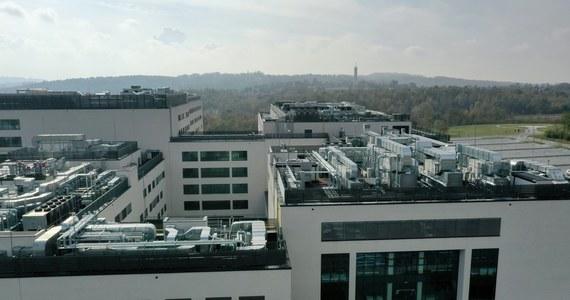 Za kilka dni może nam zabraknąć miejsc dla pacjentów z koronawirusem - ostrzega dyrekcja Szpitala Uniwersyteckiego w Krakowie. To na razie jedyny szpital jednoimienny w regionie.