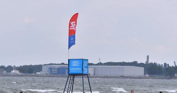 Cztery nadmorskie kąpieliska, zorganizowane na terenie województwa pomorskiego, są zamknięte w piątek z powodu utrzymujących się w wodzie zakwitów sinic.