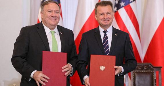 Podczas uroczystości w Pałacu Prezydenckim w obecności prezydenta Andrzeja Dudy sekretarz stanu USA Mike Pompeo oraz szef MON Mariusz Błaszczak podpisali umowę o wzmocnionej współpracy obronnej (Enhanced Defence Cooperation Agreement).