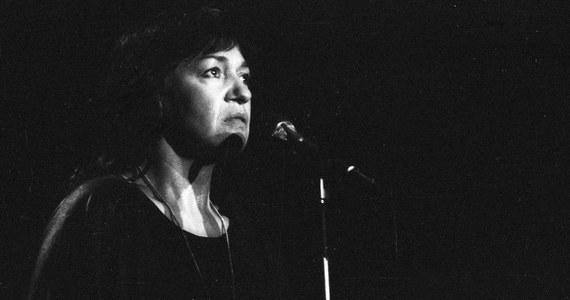 """Nie żyje Ewa Demarczyk, artystka, piosenkarka. Informację o jej śmierci potwierdził nam dyrektor krakowskiej """"Piwnicy Pod Baranami"""" Bogdan Micek. Demarczyk miała 79 lat."""