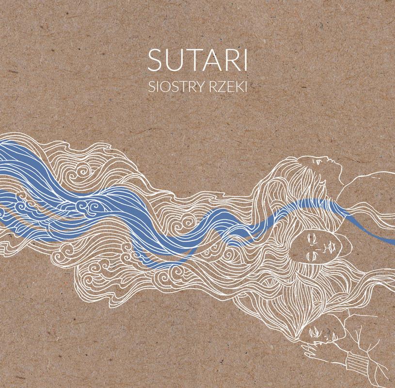 Nowofolkowe Sutari to przykład tego, jak się rozwijać, by nie tracić żadnych ze swoich zalet, zyskiwać za to nowe. I czynić z tego, co postrzegane bywa jako wsteczne muzykę świeżą, mądrą i przygodową.