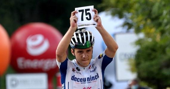 Poważny wypadek na kolarskim klasyku Il Lombardia. Jeden z faworytów Remco Evenepoel spadł z wiaduktu. Kolarz przed tygodniem wygrał Tour de Pologne.