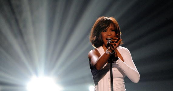 Tak wyglądały ostatnie chwile Whitney Houston. Ujawnili to po latach - Muzyka w INTERIA.PL