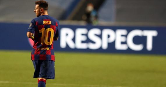 Po porażce z Bayernem Monachium 2:8 w ćwierćfinale piłkarskiej Ligi Mistrzów nasiliły się spekulacje, że Lionel Messi opuści Barcelonę. Według brazylijskiej stacji telewizyjnej Esporte Interativo, Argentyńczyk miał już zakomunikować szefom klubu, że latem chce odejść.