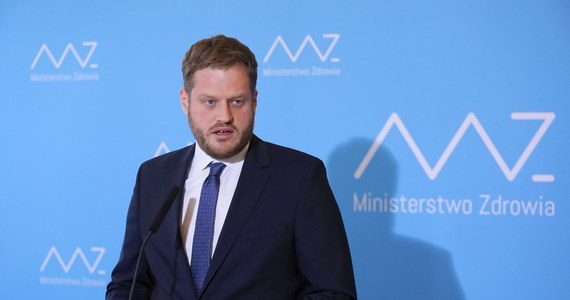 """""""Dziś mój ostatni dzień w Ministerstwie Zdrowia. To był dla mnie niesamowity czas, za który dziękuję wszystkim, z którymi go spędziłem"""" - napisał na Twitterze wiceminister zdrowia Janusz Cieszyński."""