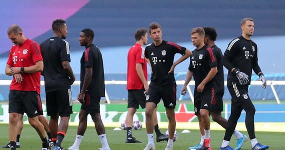 Wieczorem w Lizbonie drugi półfinał piłkarskiej Ligi Mistrzów. Bayern Monachium zagra z Olympique Lyon. Robert Lewandowski stanie przed szansą, by po raz drugi w karierze zagrać w finale Champions League. Poprzednio w 2013 roku jako piłkarz Borussi Dortmund przegrał z… Bayernem. Na rywala w niedzielnym finale od wczoraj czeka PSG.