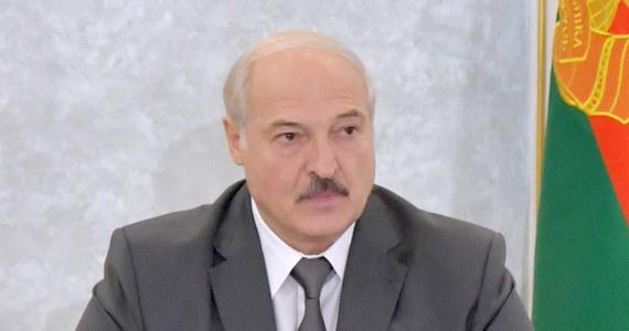 Prezydent Białorusi Alaksandr Łukaszenka powołał w środę wieczorem nowy rząd w dotychczasowym składzie. Premierem pozostał Raman Hałouczenka. Nie zmienił się także - mimo wezwań oponentów władzy - minister spraw wewnętrznych Juryj Karajeu.