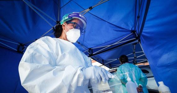Irlandii grozi wkrótce wzrost liczby zakażeń koronawirusem do poziomu, z którym nie będzie mogła sobie poradzić - ostrzegł w środę prof. Philip Nolan, szef zespołu modeli epidemicznych w rządowej radzie ds. kryzysowych sytuacji zdrowotnych (NPHET).