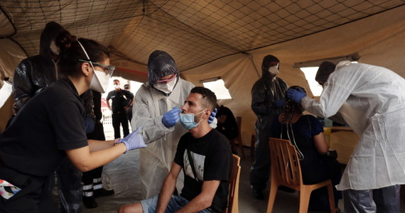 W ciągu ostatniej doby wykryto we Francji 3776 przypadków zakażenia koronawirusem. Zmarło 17 chorych na Covid-19.