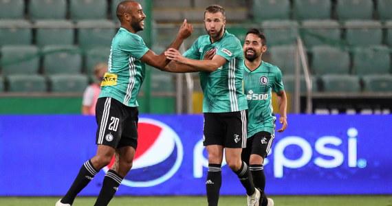 Ararat Armenia przegrał z Omonią Nikozja 0:1 (0:0) w ramach I rundy eliminacji Ligi Mistrzów. W kolejnej rundzie Cypryjczycy zmierzą się z Legią Warszawa. Do wyłonienia zwycięzcy potrzebna była dogrywka. W niej w 94. minucie piłkę do bramki skierował 17-letni Loizos Loizou.