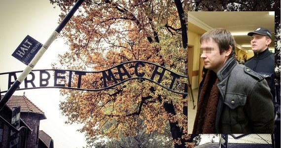 """Były, jak mówi o sobie, nazista Anders Högström został skazany w 2010 roku za kradzież napisu """"Arbeit macht frei"""" z bramy byłego obozu zagłady Auschwitz. Wtedy utrzymywał, że jest niewinny. Teraz w książce """"Ekstremista"""" Högström twierdzi, że to był jego pomysł, a nazistowska grupa terrorystyczna, która miała go finansować, była blefem."""