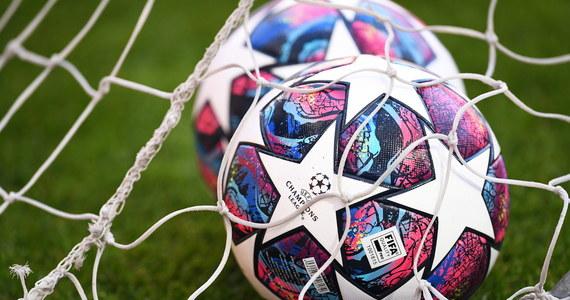 UEFA namawia krajowe federacje piłkarskie, aby te zwróciły się do swoich rządów o złagodzenie przepisów dotyczących kwarantanny. Chodzi o wyłączenie z tego obowiązku drużyn przyjeżdżających na mecze w rozgrywkach pucharowych i drużyn narodowych.