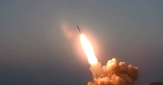 Irańskie władze zaprezentowały dwa nowe typy produkowanych w tym kraju rakiet średniego zasięgu. Pociski zostały nazwane na cześć dowódców wojskowych zabitych w zamachu Stanów Zjednoczonych w Bagdadzie w styczniu br.