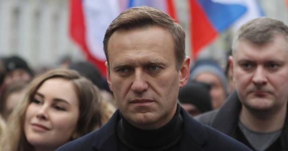 """Aleksiej Nawalny przed tym, jak trafił do szpitala z podejrzeniem """"zatrucia toksynami"""", był na Syberii, gdzie m.in. filmował materiały do śledztwa przeciwko lokalnym parlamentarzystom Jednej Rosji - informują lokalne media."""