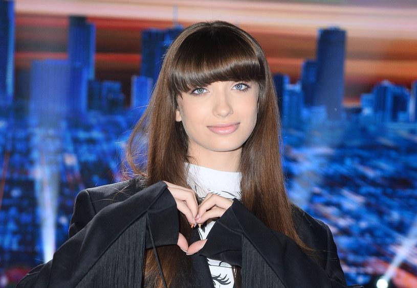 """Po ogromnym sukcesie singli """"Superhero"""" (podwójne platynowe wyróżnienie), """"Ramię w ramię"""" z Kayah (platynowe wyróżnienie) oraz """"Getaway"""" (playlisty NMF w serwisie Spotify w ośmiu krajach), Viki Gabor prezentuje swój najnowszy, anglojęzyczny singel – """"Not Gonna Get It"""". Dzięki niemu o 13-letniej wokalistce wkrótce może zrobić się głośno na całym świecie."""