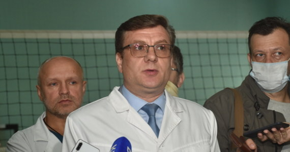 Według wstępnej diagnozy postawionej Aleksiejowi Nawalnemu wystąpiło u niego naruszenie metabolizmu, które mogło zostać wywołane raptownym spadkiem poziomu cukru we krwi. Ten spadek spowodował utratę przytomności - poinformował.