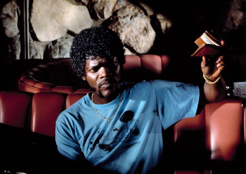 """W jednym z wywiadów Quentin Tarantino zdradził, że rola Julesa Winnfielda w """"Pulp Fiction"""" została napisana z myślą o Laurencie Fishburnie. Według słów reżysera, odtwórca roli Morfeusza odrzucił propozycję - którą ostatecznie przyjął Samuel L. Jackson - dlatego, że nie była ona główną rolą w filmie. W wywiadzie udzielonym portalowi """"Vulture"""", Fishburne podał prawdziwy powód nie skorzystania z propozycji Tarantino."""