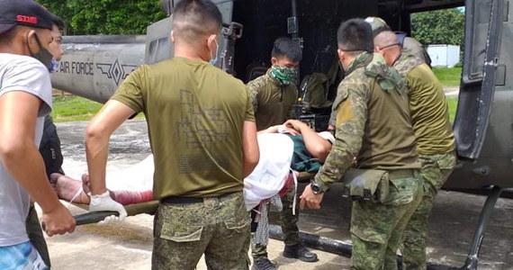 Co najmniej 14 osób zginęło, a 75 zostało rannych w poniedziałek podczas podwójnego terrorystycznego zamachu bombowego na filipińskiej wyspie Jolo, bastionie dżihadystycznej Grupy Abu Sajjafa - poinformowały miejscowe władze.