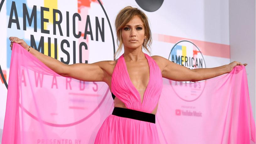 Jennifer Lopez zdecydowała się ujawnić rodzinną tajemnicę. Chodzi o jej siostrzenicę. Wszystko wytłumaczyła w nagraniu na Instagramie.