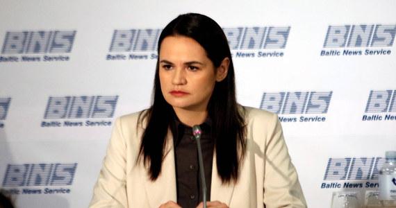 Sąd Najwyższy Białorusi oddalił skargę opozycyjnej kandydatki na prezydenta tego kraju Swiatłany Cichanouskiej na decyzję Centralnej Komisji Wyborczej, zatwierdzającą wyniki wyborów prezydenckich z 9 sierpnia 2020 roku. Według CKW, wygrał je urzędujący prezydent Alaksandr Łukaszenka.