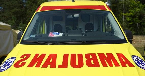 Policja i prokuratura wyjaśniają okoliczności wypadku przy pracy, do którego doszło w Skwierzynie w Lubuskiem. Prąd poraził 19-latka podczas remontu w jednym z tamtejszych sklepów. Młody człowiek zmarł w szpitalu – poinformowała Justyna Łętowska z Komendy Powiatowej Policji w Międzyrzeczu.