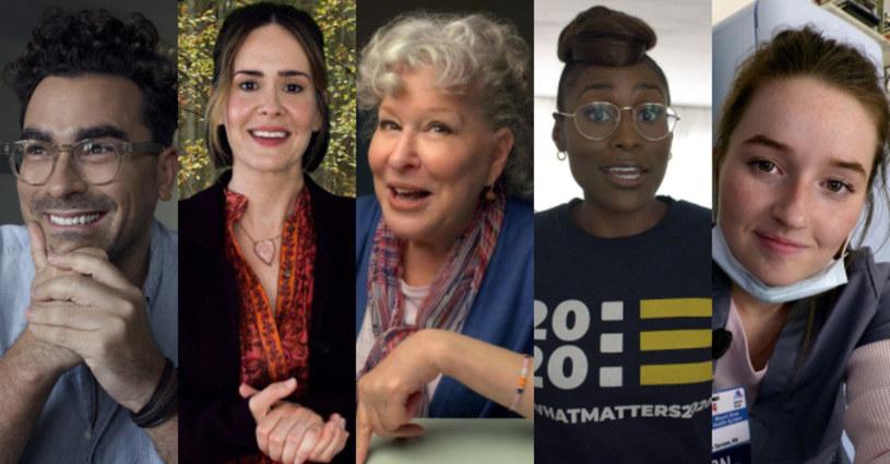 """""""Elity z wybrzeża"""" to projekt komediowy HBO o społecznym dystansowaniu się i jego konsekwencjach z udziałem Bette Midler, Kaitlyn Dever, Dana Levy'ego, Sarah Paulson i Issy Rae. Premiera produkcji odbędzie się 13 września w HBO GO."""