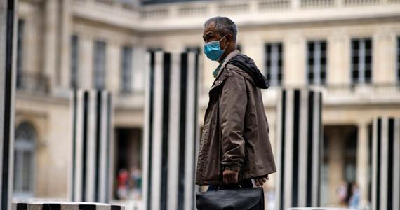 W ciągu ostatniej doby we Francji zanotowano 3304 nowe przypadki zakażenia koronawirusem, w poprzednich 24 godzinach wykryto ich 1995. Zmarło kolejnych 16 osób.
