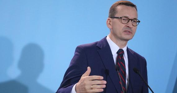 W kancelarii premiera w środę odbyło spotkanie szefa rządu Mateusza Morawieckiego z przedstawicielami ugrupowań parlamentarnych w sprawie sytuacji na Białorusi. Na spotkaniu pojawili się przedstawiciele wszystkich klubów i koła.