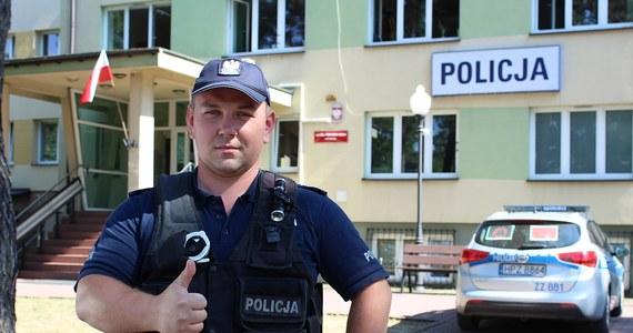 Maciej Kąkol, policjant z Otwocka, podczas urlopu w Vinisce w Chorwacji, wspólnie ze znajomym uratował życie robotnikowi. Mężczyzna remontował elewację i spadł z kilku metrów. Polski funkcjonariusz rzucił mu się na ratunek.