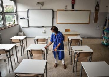 PSL-Kukiz15: W czerwonych strefach uczniowie nie powinni wracać do szkół 1 września