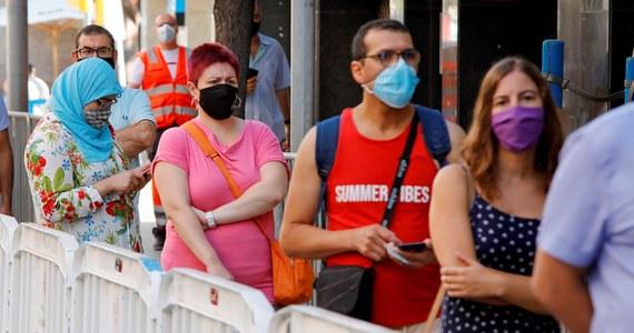 W ciągu ostatniej doby w Hiszpanii liczba zakażonych koronawirusem osób zwiększyła się o prawie 10 tys., czyli podobnie jak podczas wcześniejszych 24 godzin. Z kolei w Portugalii pomiędzy czwartkiem a piątkiem zanotowano 401 zakażeń SARS-CoV-2.