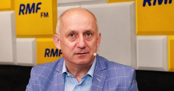 """""""Jest to kłopot Rafała Trzaskowskiego, ale niezawiniony przez niego"""" – powiedział Sławomir Neumann, nawiązując do kolejnej awarii w warszawskiej oczyszczalni ścieków """"Czajka"""". """"Nie jest to rzecz komfortowa. Rafał Trzaskowski musi się skupić na zamknięciu awarii"""" – dodał gość Porannej rozmowy w RMF FM. W ten sposób tłumaczył opóźnienie powołania do życia ruchu politycznego """"Nowa Solidarność"""". On sam, jak zaznaczył, do niego się nie wybiera. """"Nie wybierałem się do """"Nowej Solidarności"""", bo jak rozumiałem ten ruch Rafała Trzaskowskiego, on jest skierowany do ludzi, którzy nie chcą być członkami partii politycznej, chcą działać aktywnie w przestrzeni publicznej, mają zapał i energię"""" – powiedział Neumann w rozmowie z Robertem Mazurkiem."""