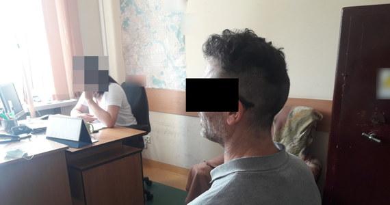 Policjanci z warszawskiej Woli zatrzymali 50-letniego obywatela Wielkiej Brytanii, który podejrzany jest o podpalenie pokoju hotelowego i grożenie swojej byłej partnerce pozbawieniem życia.