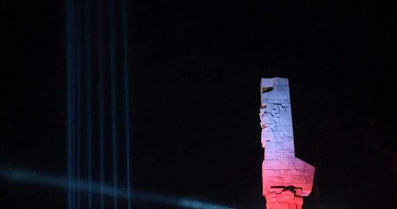 Szczątki pięciu polskich żołnierzy, poległych na Westerplatte zidentyfikowali naukowcy z Pomorskiego Uniwersytetu Medycznego w Szczecinie. Ich szczątki, a także kilku kolejnych żołnierzy odnaleziono jesienią zeszłego roku podczas badań archeologicznych prowadzonych przez Muzeum II Wojny Światowej.