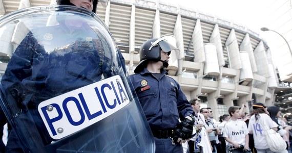 Związki zawodowe policjantów i żandarmów w Hiszpanii wzywają rząd do uznania tych profesji za zawody wysokiego ryzyka z powodu licznych zakażeń koronawirusem. Wskazują też na rosnącą od sierpnia liczbę infekcji wśród funkcjonariuszy.